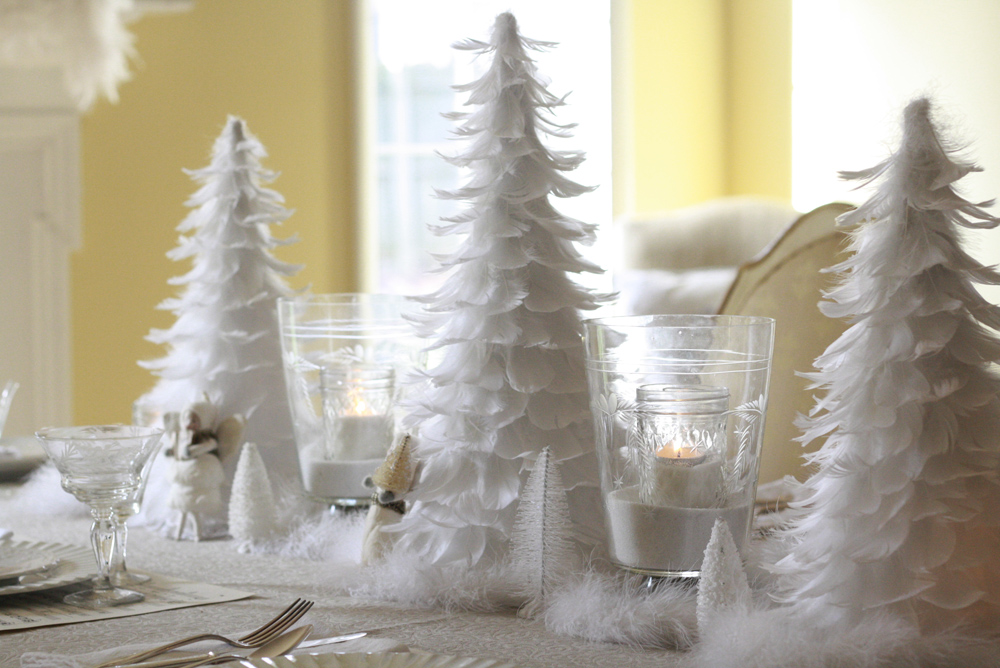 Christmas-Decorations-White-Feather-Table-00801