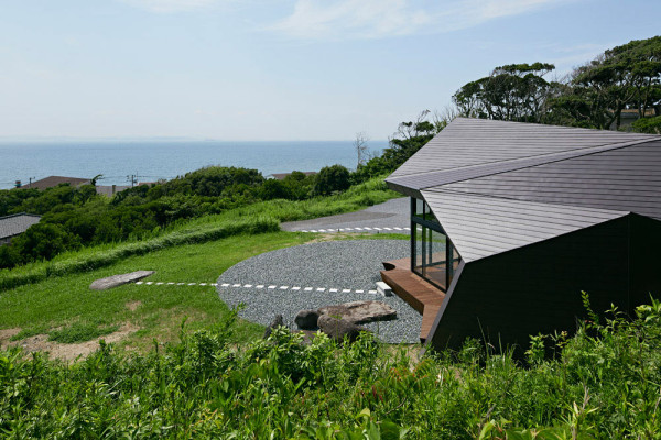 Villa-Escargot-Takeshi-Hirobe-Architects-3-600x400