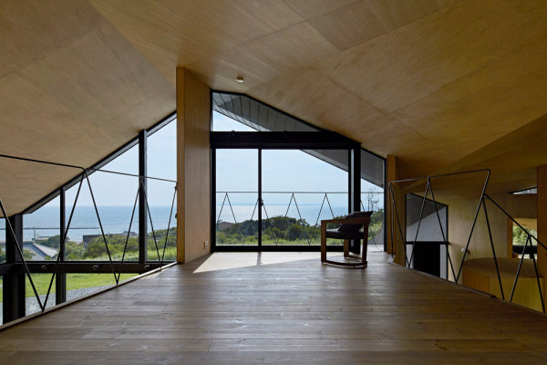 Villa-Escargot-Takeshi-Hirobe-Architects-6-600x400