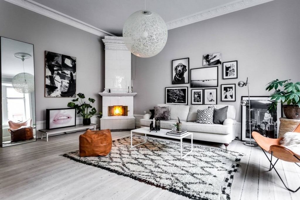 Scandinavian-living-room-with-gallery-wall-collection