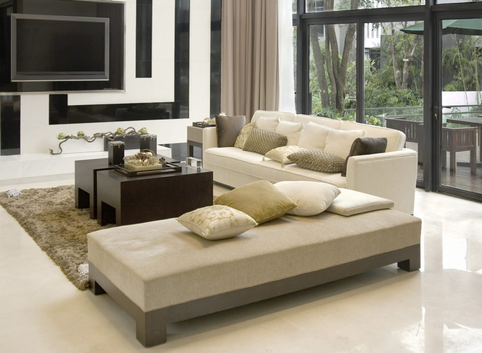 White-Grey-and-Beige-Living-Room-Interior-980x719
