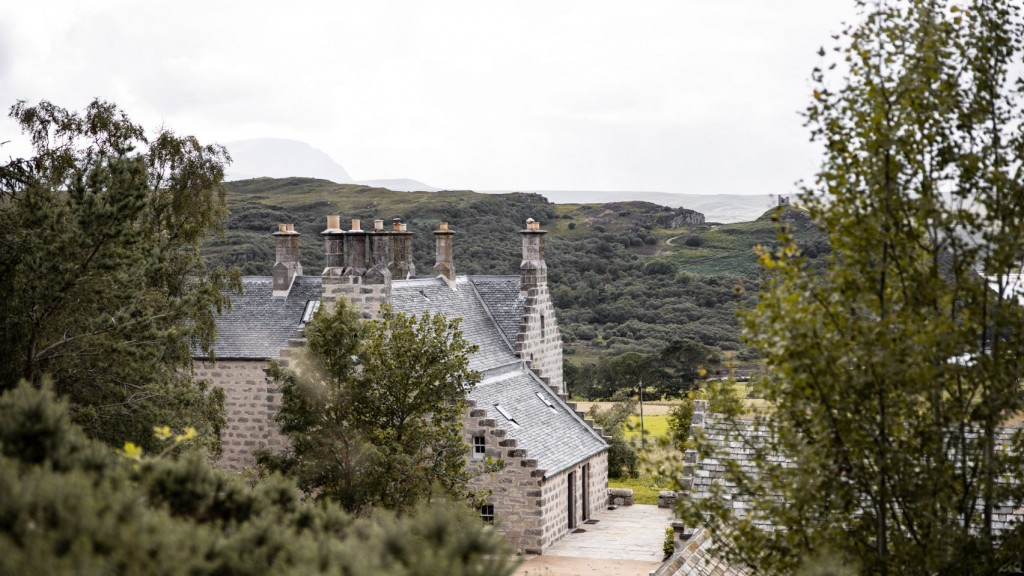 lundies-house-tongue-scotland-guesthouse-interiors-hotels-wildland-_dezeen_hero-1-1704x959